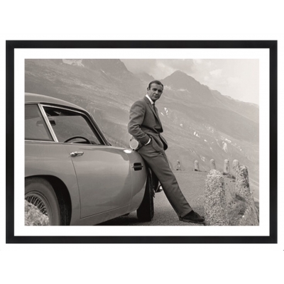 Wall Art Sean Connery bij Aston Martin