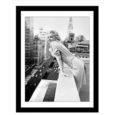 Wall Art Marilyn Monroe at the Embassy